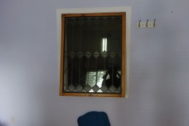 Weird window between rooms